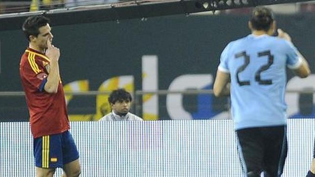 Azpilicueta debuta con Del Bosque tras toda una vida de selecciones