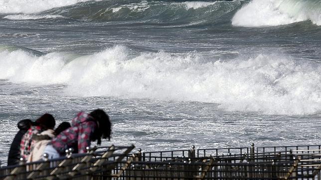 El temporal de nieve y viento pone en alerta a treinta y siete provincias