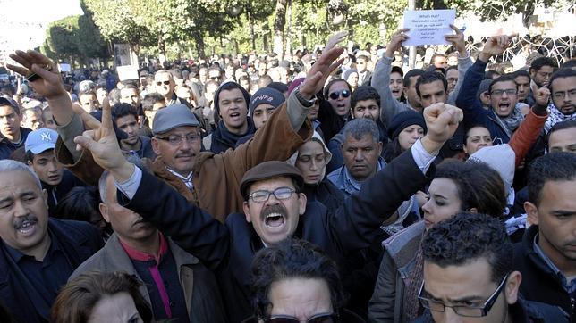 Asesinan a un líder opositor tunecino con varios disparos en la cabeza