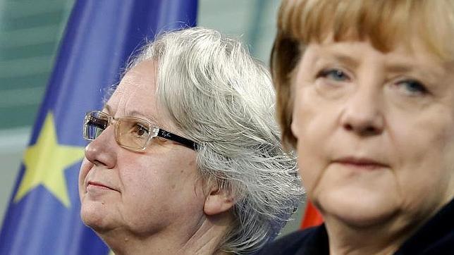 Merkel anuncia la dimisión de su ministra de Educación por plagio