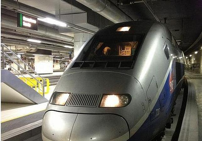 Un TGV francés, ayer en la estación de Sants de Barcelona