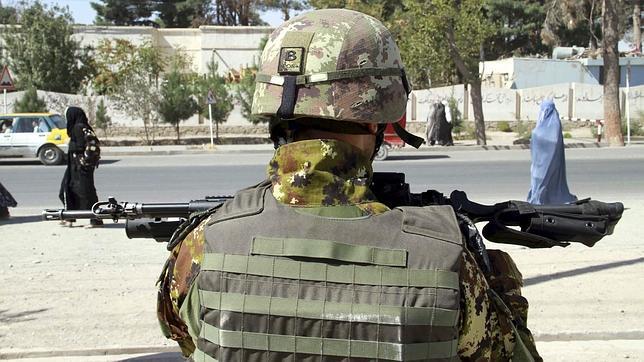 Un soldado de la OTAN en Herat, Afganistán