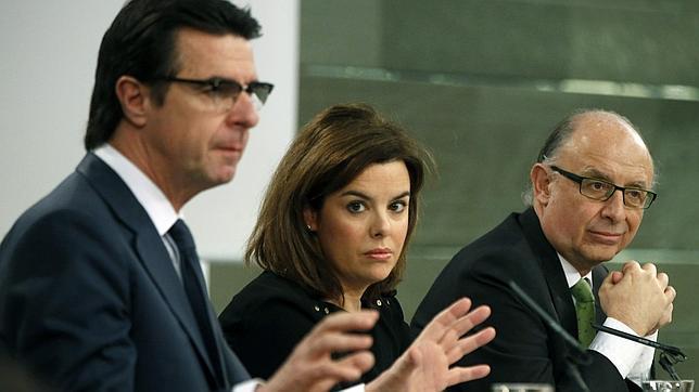 El ministro José Manuel Soria, durante su intervención tras el Consejo de Ministros