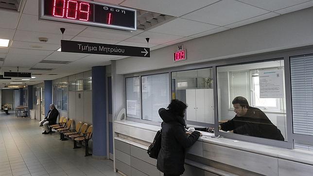 Grecia ya encarcela a los evasores fiscales for Oficina hacienda madrid