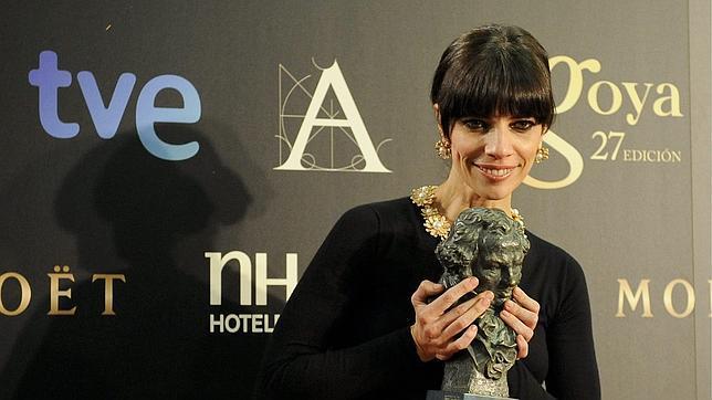 Lo que costaba el vestido que lució Maribel Verdú en la gala de los Goya