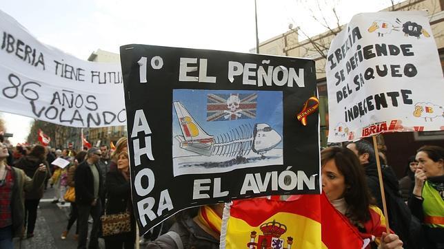 Los sindicatos de Iberia amenazan con convocar huelga en Semana Santa