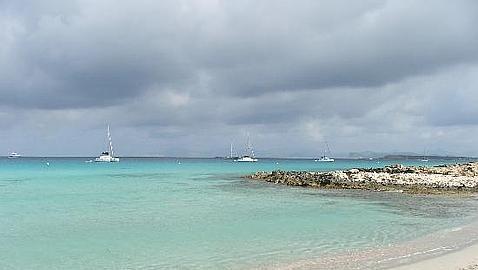 Las diez mejores playas de España, según los internautas Illetes-2008--478x270