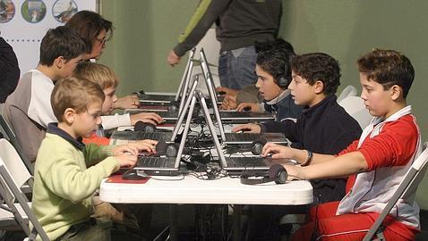 Cómo actuar si su hijo sufre «ciberacoso»