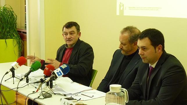 Carlos de Prada, Nicolás Olea y Alfredo Suárez durante la presentación de la campaña