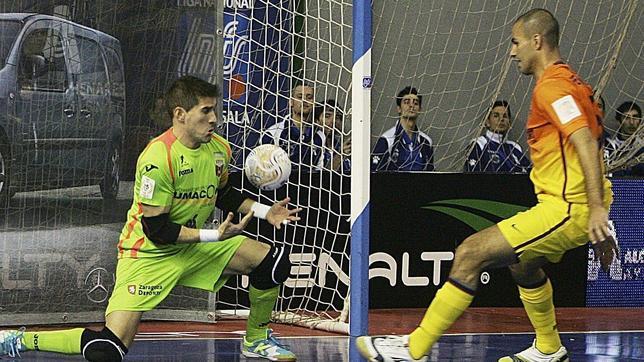 Un Barça a medio gas golea al Umacón Zaragoza