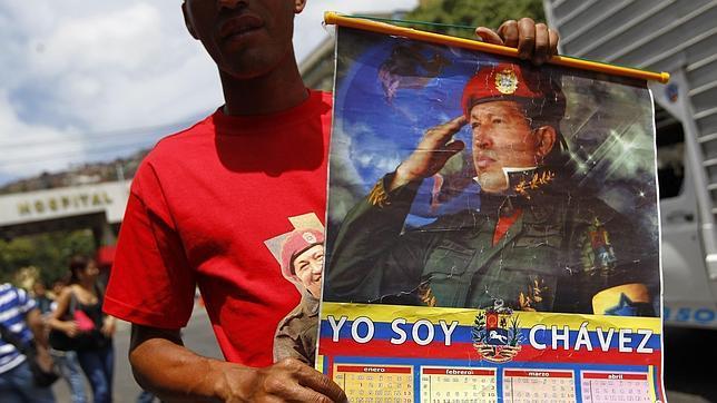 Denuncian la ilegalidad de una posible jura secreta de Chávez