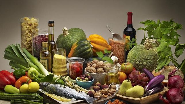 La dieta mediterránea con aceite de oliva y frutos secos reduce el riesgo cardiovascular