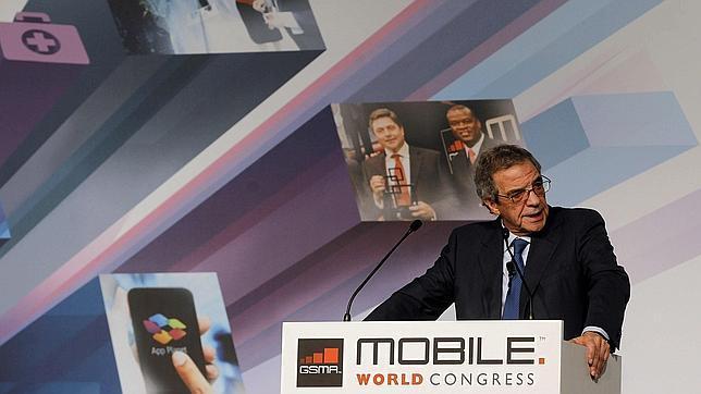 El presidente de Telefónica, César Alierta, durante su intervención en el Mobile World Congress