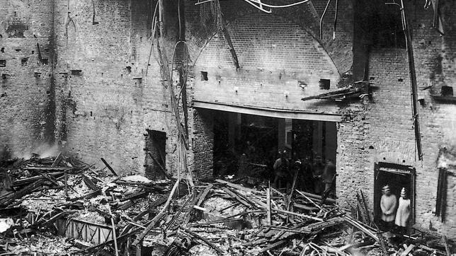 Ruinas del Reichstag despues del grave incendio que sufrió.