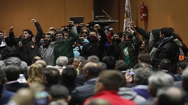 Los estudiantes revientan un acto en la Universidad Politécnica de Valencia