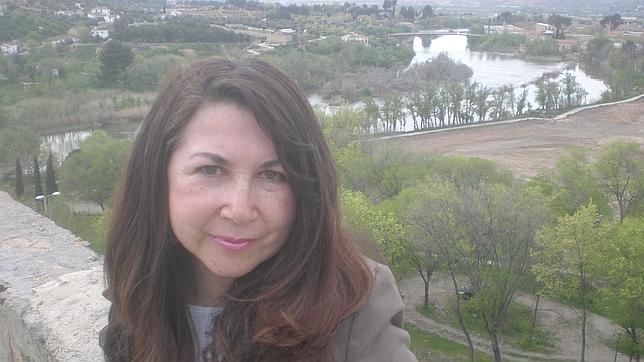 Beatriz Villacañas ante una preciosa vista del Tajo a su paso por Toledo