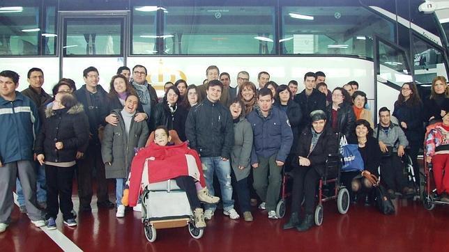 Las personas con discapacidad podrán desplazarse en los autobuses de la Región