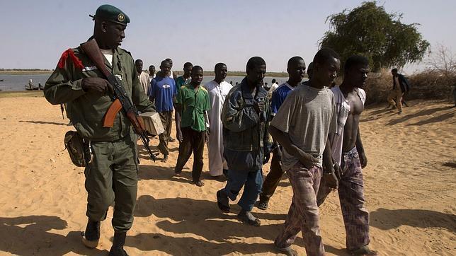 Chad llora a sus militares muertos en la guerra contra el terrorismo en Malí