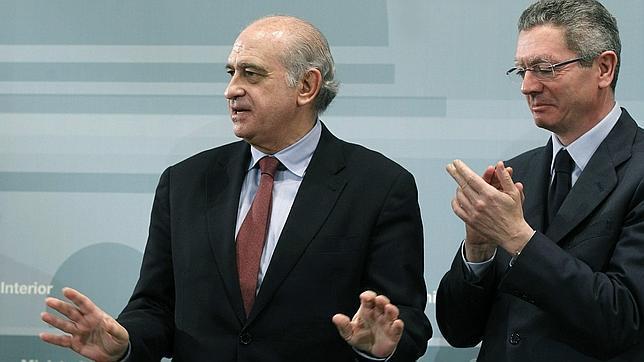 El ministro de interior de espa a es otro estupido for Ministro del interior espanol