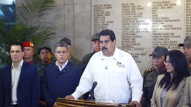 Maduro anuncia la muerte de Hugo Chávez