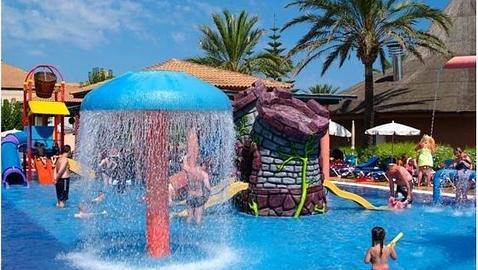 Los diez mejores hoteles de espa a para ir con ni os - Hotel piscina toboganes para ninos ...
