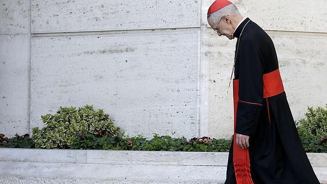 Así es el cardenal Tauran, el encargado de pronunciar el «Habemus Papam»