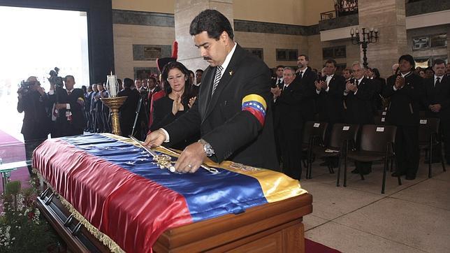 http://www.abc.es/Media/201303/08/maduro_chavez_funeral--644x362.jpg