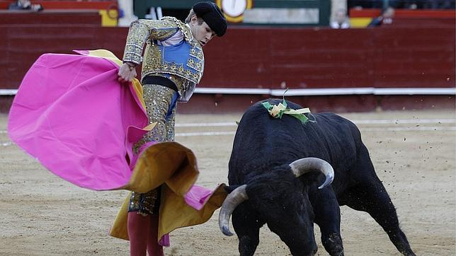 Javier Jiménez corta una oreja en Valencia