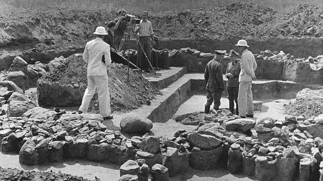 Los falsos arqueólogos y el nazismo