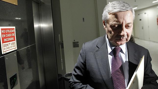 Blanco dice que dejará el escaño si el juez le sienta en el banquillo