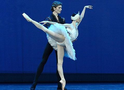 La Compañia Nacional de Danza da su primer paso hacia el lenguaje clásico