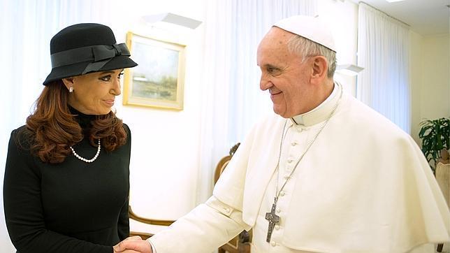 Kirchner pide al Papa Francisco que intermedie en el conflicto de las Malvinas