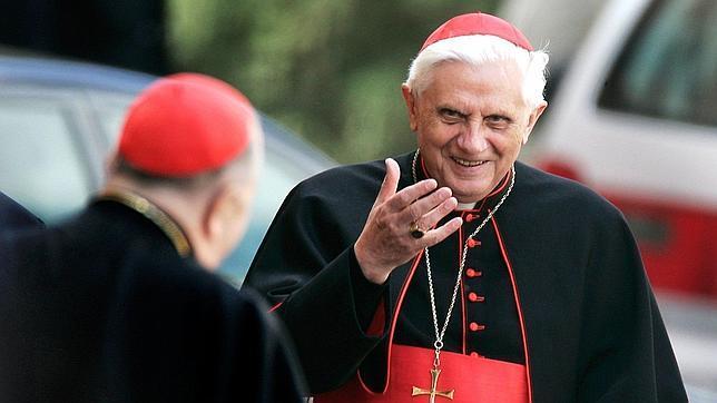 Ratzinger: «Hay muchos Papas que el Espíritu Santo probablemente no habría elegido»