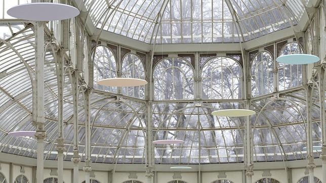 Mitsuo Miura convierte el Palacio de Cristal en un bosque de columnas imaginarias