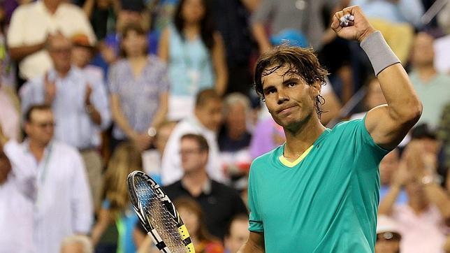 Nadal «noquea» a Federer con facilidad