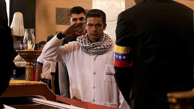 En el velatorio de Hugo Chávez