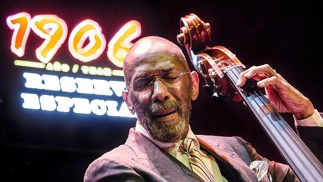 Ron Carter: la enciclopedia viva del jazz