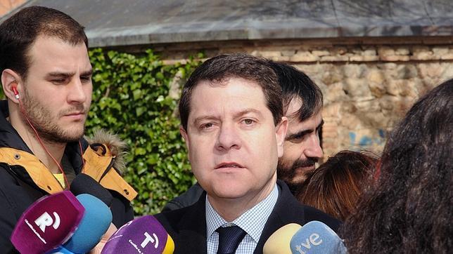 García-Page, en San Pedro el Verde, durante las declaraciones que realizó a los medios en Toledo