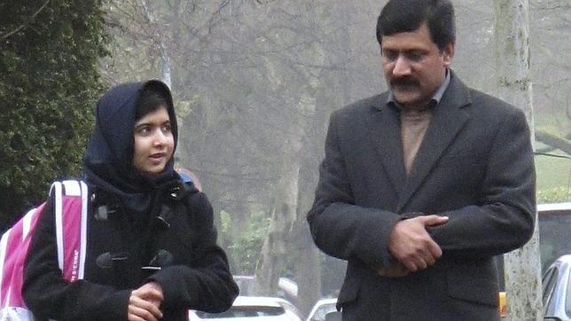 Malala regresa al colegio por primera vez desde el ataque de los talibanes
