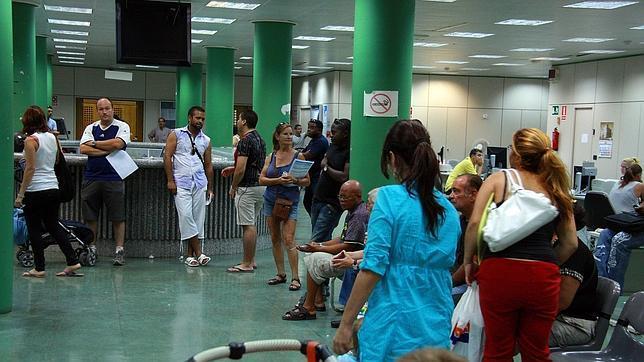 La seguridad social perdi casi cotizantes extranjeros en febrero - Oficina seguridad social sevilla ...