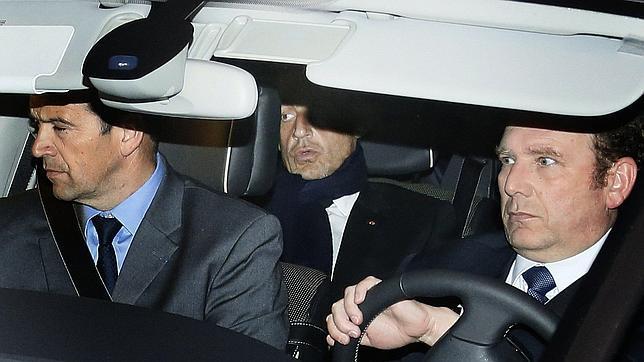 Sarkozy, imputado por abuso de confianza en caso de la octogenaria Bettencourt