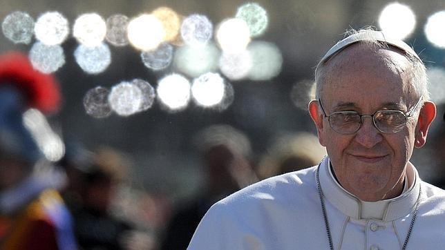 El Papa Francisco llama personalmente a su dentista para cancelar la cita