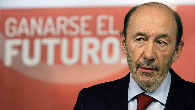 «The Economist» coloca «una soga alrededor del cuello» a Rubalcaba