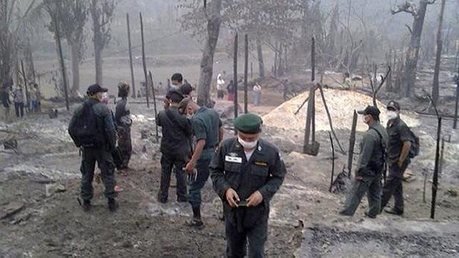 Al menos 62 muertos en el incendio de un campo de refugiados en Tailandia