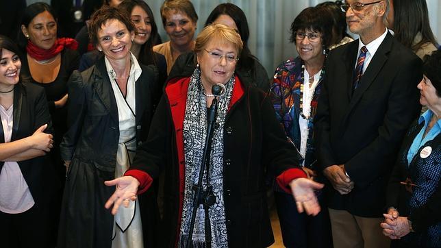 Bachelet anuncia su candidatura a las elecciones presidenciales de Chile