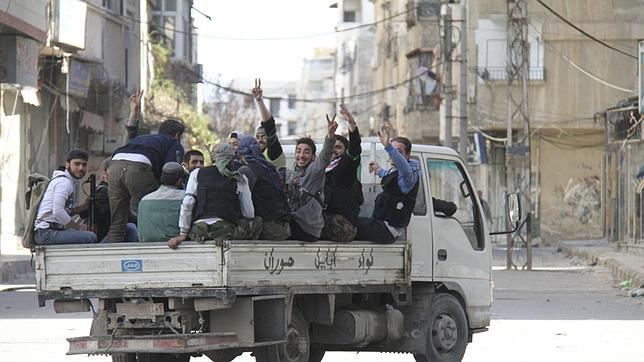 Al menos 15 estudiantes muertos en un ataque contra la universidad de Damasco