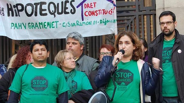 Ada Colau participó en el asalto a los consulados de Francia y Suiza en Barcelona