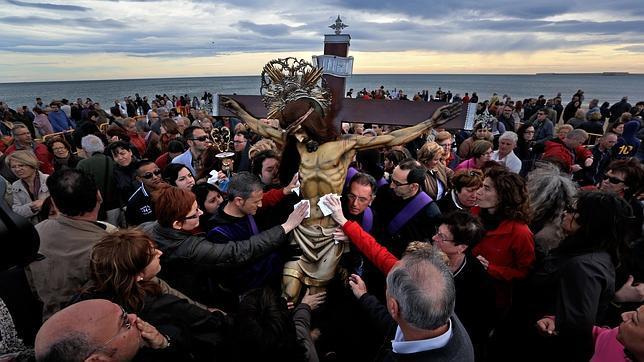 la semana santa llega a orillas del mediterraneo
