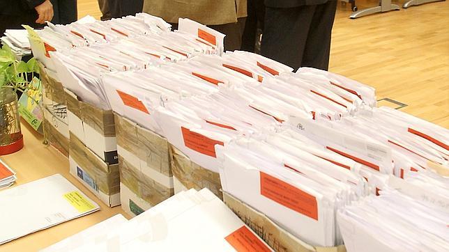 El gobierno conf a en descongestionar con los notarios las for Oficina extranjeria toledo