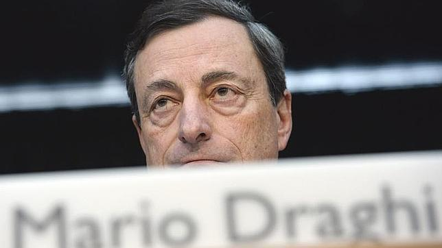 Draghi despejará hoy la incógnita sobre si el «modelo Chipre» se aplicará en futuros rescates